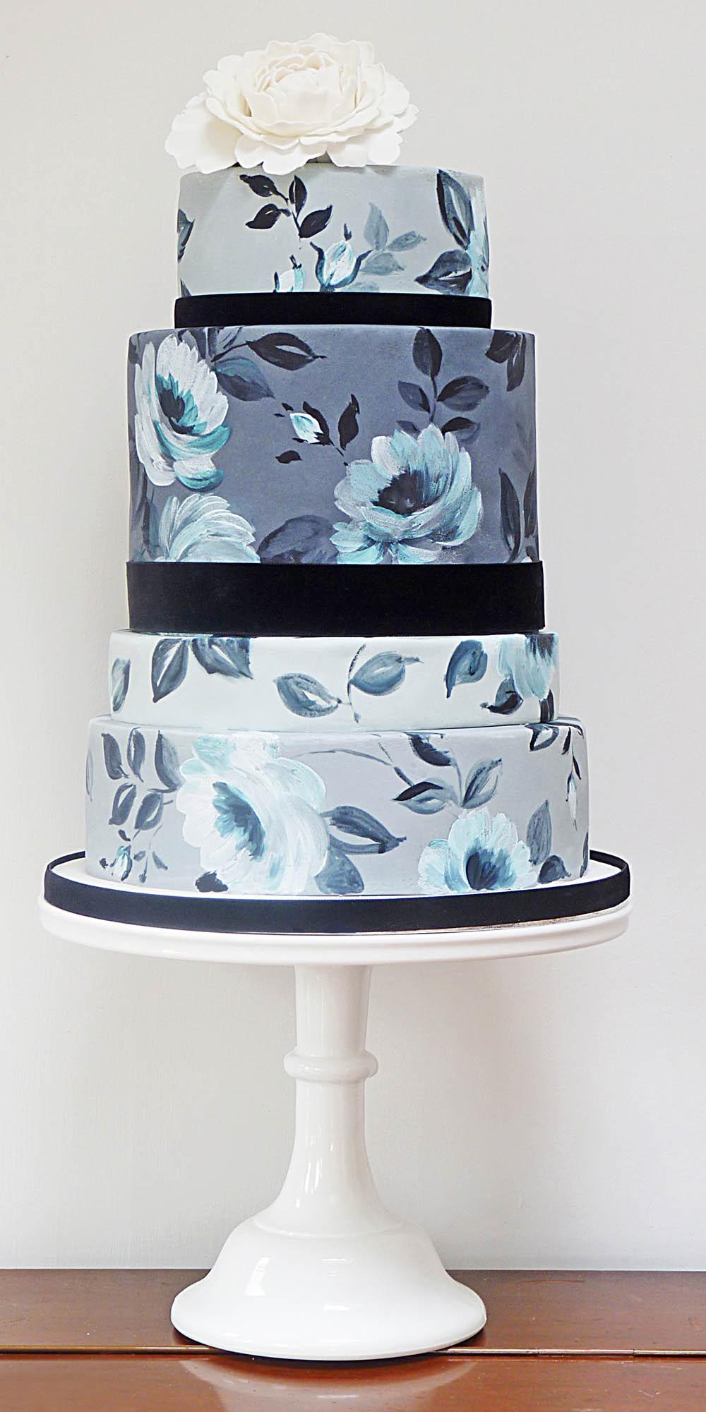 Cake Images Blue : Blue and white wedding cake